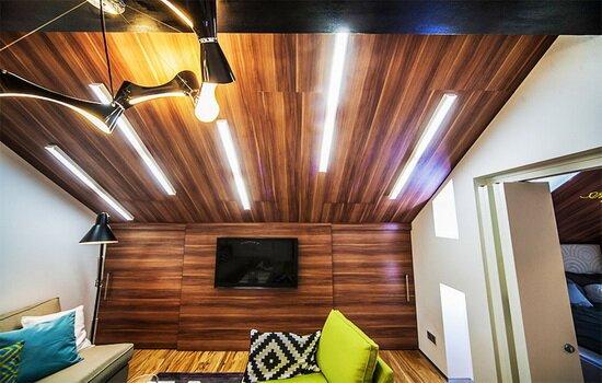 Ламинированный потолок — стильное решение для дома